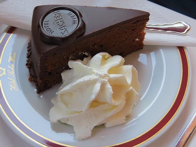 Отдых в Австрии - торт Захер для любителей сладкого