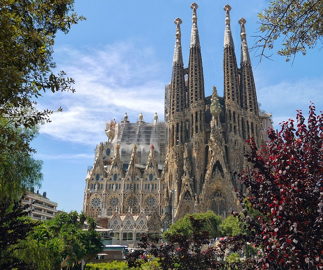 Туры в Барселону из Израиля - Саграда Фамилия